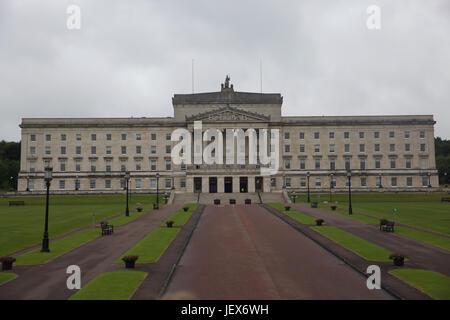 Belfast, Ireland. 28th June, 2017. Grey skies over Stormont in Belfast. Credit: Keith Larby/Alamy Live News - Stock Photo
