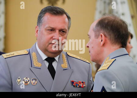 Moscow, Russia. 28th June, 2017. Russian Federal Protective Service (FSO) Director Dmitry Kochnev (L) and Russian - Stock Photo
