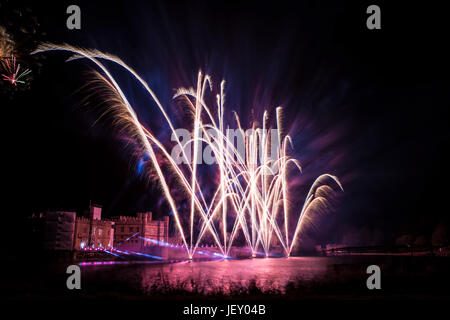LEEDS CASTLE ANNUAL FIREWORKS DISPLAY,   (A MUST SEE EVENT) - Stock Photo