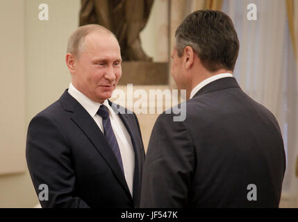 Moscow, Russia. 29th June, 2017. HANDOUT - The picture shows German Foreign Minister Gabriel speaking to Russian - Stock Photo