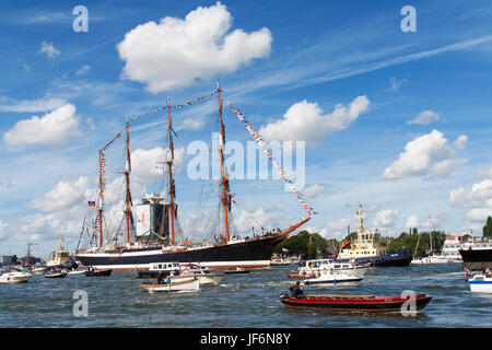 AMSTERDAM, THE NETHERLANDS - AUGUST 19: The Russian STS Sedov tall ship arrives at Amsterdam Harbour for SAIL 2010 - Stock Photo