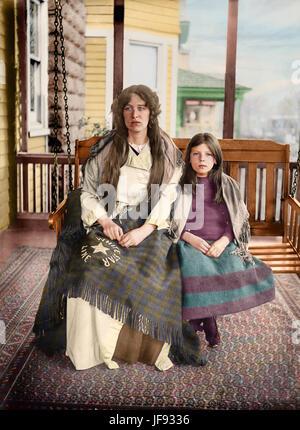 Titanic Survivors Charlotte and Majorie Collyer in 1912 - Charlotte Collyer and her daughter Marjorie were 2nd Class - Stock Photo
