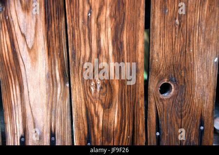 Alter Holzschuppen mit spalten, old wooden shed - Stock Photo