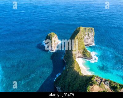 Aerial view of Klingking beach on Nusa Penida island near Bali, Indonesia. - Stock Photo