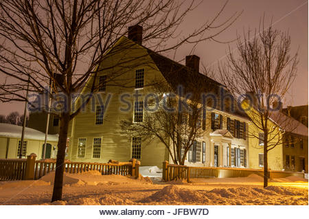 Freshly-fallen snow at dusk in the historic district of Old Wethersfield. - Stock Photo