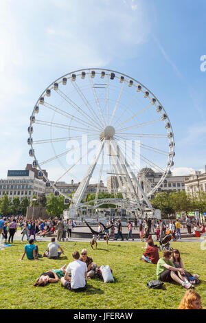 England, Manchester, Piccadilly Gardens, The Wheel of Manchester - Stock Photo