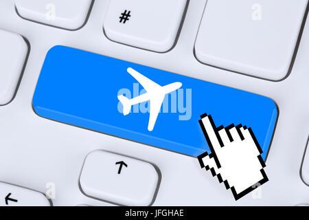 Reisen und Urlaub online buchen einkaufen im Internet - Stock Photo