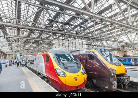 Scotland, Glasgow, Glasgow Central Railway Station - Stock Photo