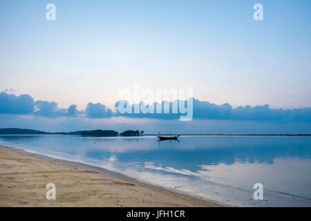 Sunrise on the beach, Chaweng Beach, island Ko Samui, Thailand, Asia - Stock Photo