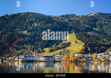 Zeller See (lake) with view at Zell am See, Austria, Salzburg, Pinzgau, Zell am See - Stock Photo