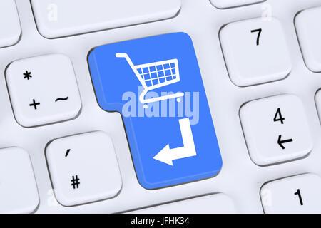 Online Shopping E-Commerce bestellen und einkaufen im Internet - Stock Photo