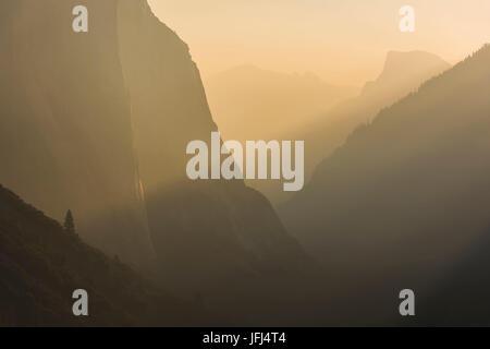 Golden light, tunnel View, California, the USA - Stock Photo