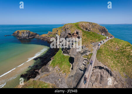 UK, Northern Ireland, County Antrim, Ballintoy, pathway to the Carrick-a-Rede Rope Bridge - Stock Photo
