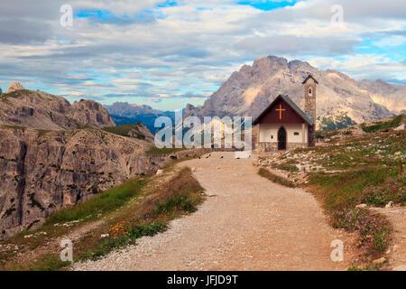 Tre Cime di Lavaredo, Trentino Alto Adige, Italy, A beautiful alpine church on the trail that connects the Auronzo - Stock Photo