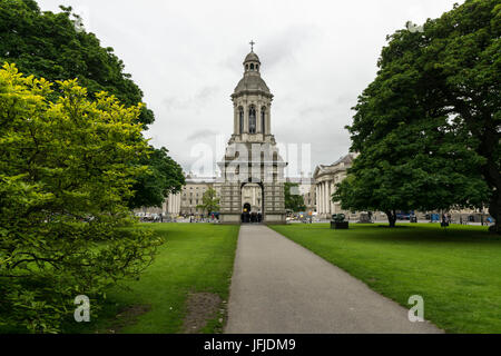 The campanile and garden of Trinity College in Parliament Square, Dublin, Leinster, Ireland, Europe, - Stock Photo