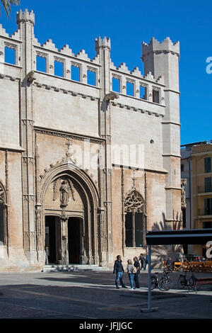 PALMA DE MALLORCA, BALEARIC ISLANDS, SPAIN - MARCH 29, 2017: Sa Llotja entrance and people outside on March 29, - Stock Photo
