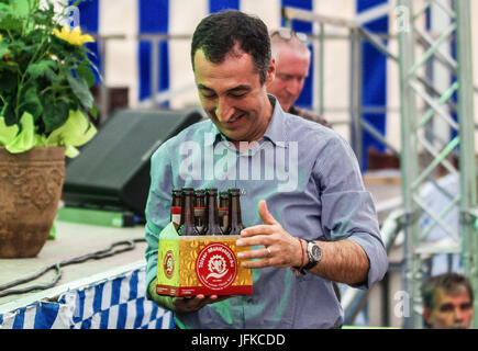 Tutzing, Bayern, Germany. 1st July, 2017. Green politician Cem Özdemir captivated an audience of over 800 as he - Stock Photo