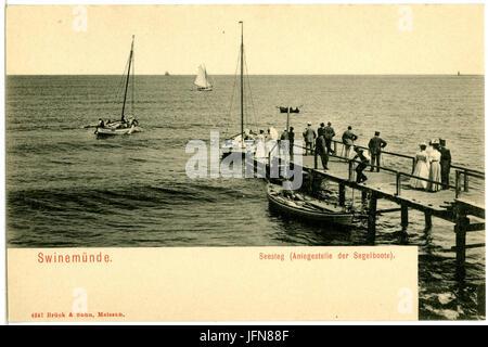 04247-Swinemünde-1903-Seesteg mit Menschen, Segelboote-Brück & Sohn Kunstverlag - Stock Photo