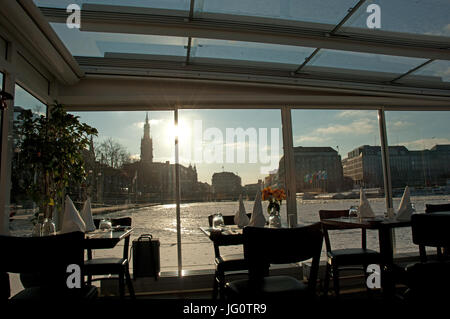 Cafe im Winter - Stock Photo