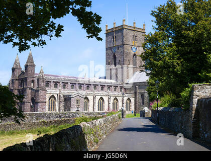 The  12th century clock tower and nave of St. David's Cathedral, Pembrokeshire, Wales, UK - Stock Photo