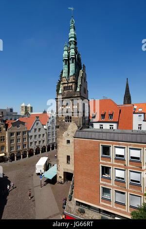 Giebelhaeuser mit Arkaden am Prinzipalmarkt, Geschaeftshaeuser, Wohnhaeuser, vorn der Stadthausturm, hinten links - Stock Photo