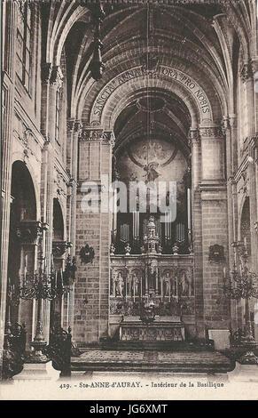https://l450v.alamy.com/450v/jg6xmt/sainte-anne-dauray-fr-56-vers-1930-la-basilique-intrieur-1-jg6xmt.jpg