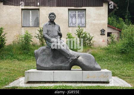 Monument to Czech novelist Jaroslav Hašek by Czech sculptor Josef Malejovský (1983) in the village of Lipnice nad - Stock Photo