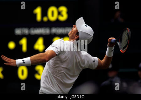 London, UK. 3rd July, 2017. Wimbledon: Andy Murray of the, UK. 3rd July, 2017. serving to Alexander Bublik during - Stock Photo