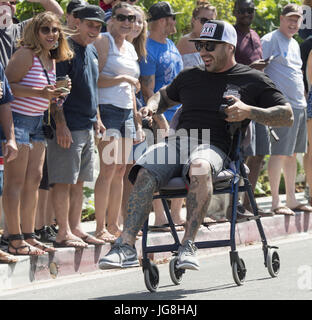 San Clemente, California, USA. 4th July, 2017. San Clemente residents cobbled together anything with wheels for - Stock Photo