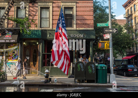 New York, NY, USA. 4th July, 2017. On Spring Street in Soho, some New Yorkers celebrated Independence Day with a - Stock Photo