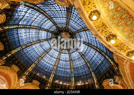 Galeries Lafayette Haussmann, upmarket French department store, by the architect Georges Chedanne and Ferdinand - Stock Photo