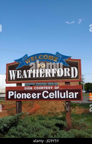 Welcome to Weatherford sign Oklahoma USA - Stock Photo