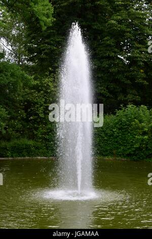 Swimming pool, swimmingpool, see im park, lake the park with fountain - Stock Photo