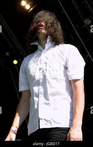 The Eighties Matchbox B Line Disaster - Guy McKnight at the Glastonbury Festival, Somerset, Britain - 28 June 2003. - Stock Photo