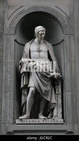 Niccola Pisano statue on the facade of Uffizi gallery - Stock Photo