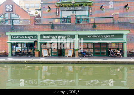Handmade Burger Co restaurant by the canal in Brindley Place, Birmingham - Stock Photo