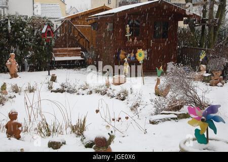 Garten Im Winter garden figure in winter garten figur im winter stock photo royalty