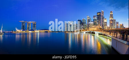 Panoramic photograph of Singapore skyline at night. Central Business District, Fullerton Park - Stock Photo