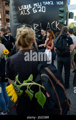 Hamburg, Germany. 6th July, 2017. fish market, protest rally 'G-20 WELCOME TO HELL' against G-20 summit in july - Stock Photo