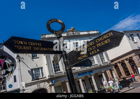 LEOMINSTER, UNITED KINGDOM - JULY 7: A signpost points the way on a sunny day in Leominster at the junction of Broad - Stock Photo