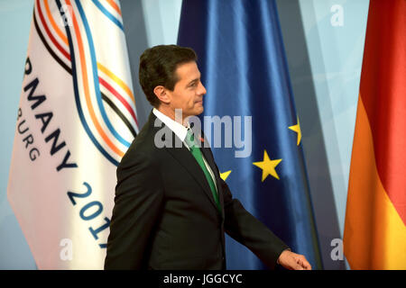 Hamburg, Germany. 07th July, 2017. Mexican President Enrique Pena Nieto arrives at the start of the first day of - Stock Photo