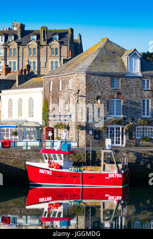A hot and tranquil summers morning at the picturesque fishing village of Padsow in Cornwall, England with bright - Stock Photo
