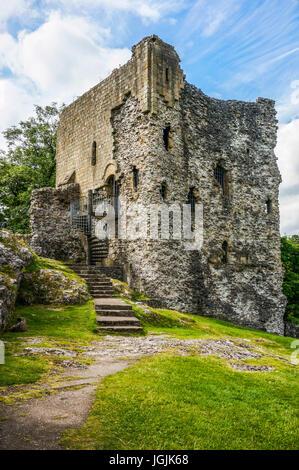 The ancient ruin of Peveril Castle, Castleton, Peak District, Derbyshire, England, UK. - Stock Photo