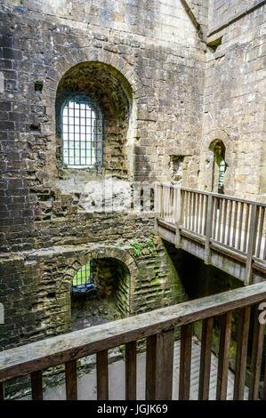 Interior view of the ancient ruin of Peveril Castle, Castleton, Peak District, Derbyshire, England, UK. - Stock Photo