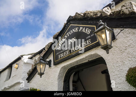 The Kirkstone Pass Inn, a famous place for hikers walking in the Lake District to have lunch or refreshments. - Stock Photo