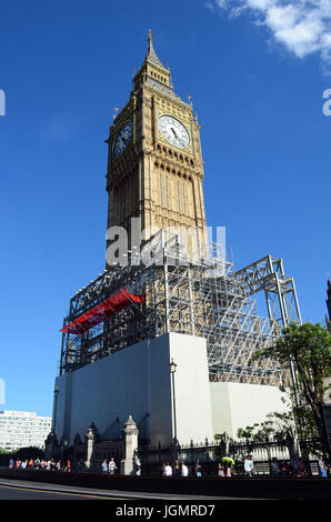 London, UK, 8 July 2017 Scaffolding erected as restoration work starts on the Westminster Houses of Parliament. - Stock Photo