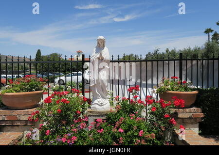 statue of Virgin Mary at San Juan Capistrano mission - Stock Photo