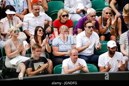 London, UK. 8th July, 2017. Matthias Mueller, CEO of the Volkswagen Group, joins a tennis match of german player - Stock Photo