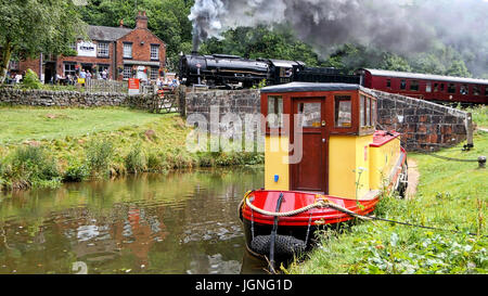 Churnet Valley, UK. 8th July, 2017. The UK's longest real ale festival the Churnet Valley Rail Ale Trail Beer festival - Stock Photo