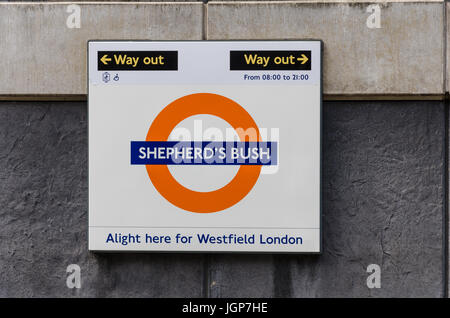 how to get to westfield shepherds bush by train